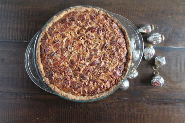 Pecan Pie with a Shortberead Crust via The Kittchen (from above)