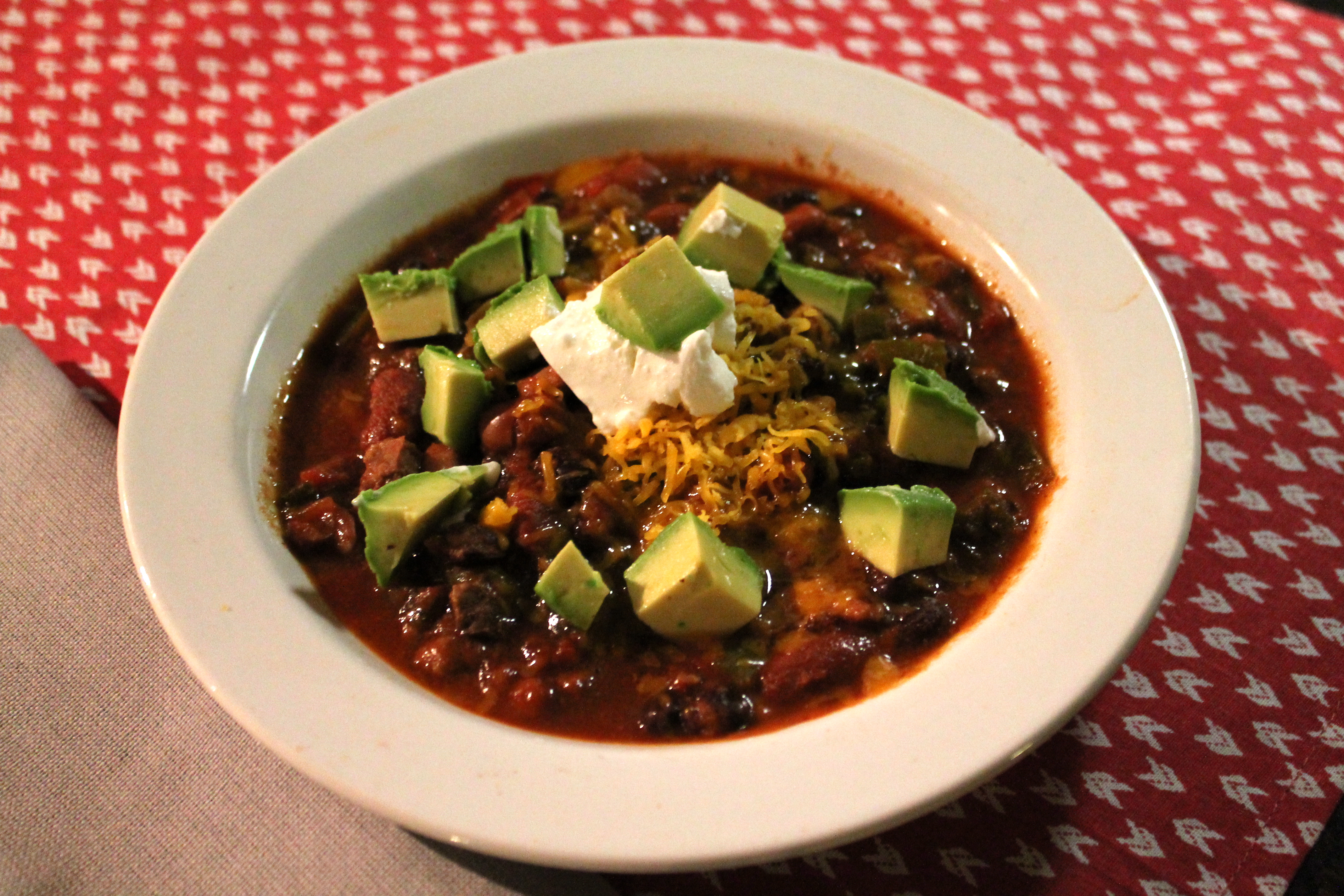 Chunky Beef and Three Bean Slow Cooker Chili - thekittchen