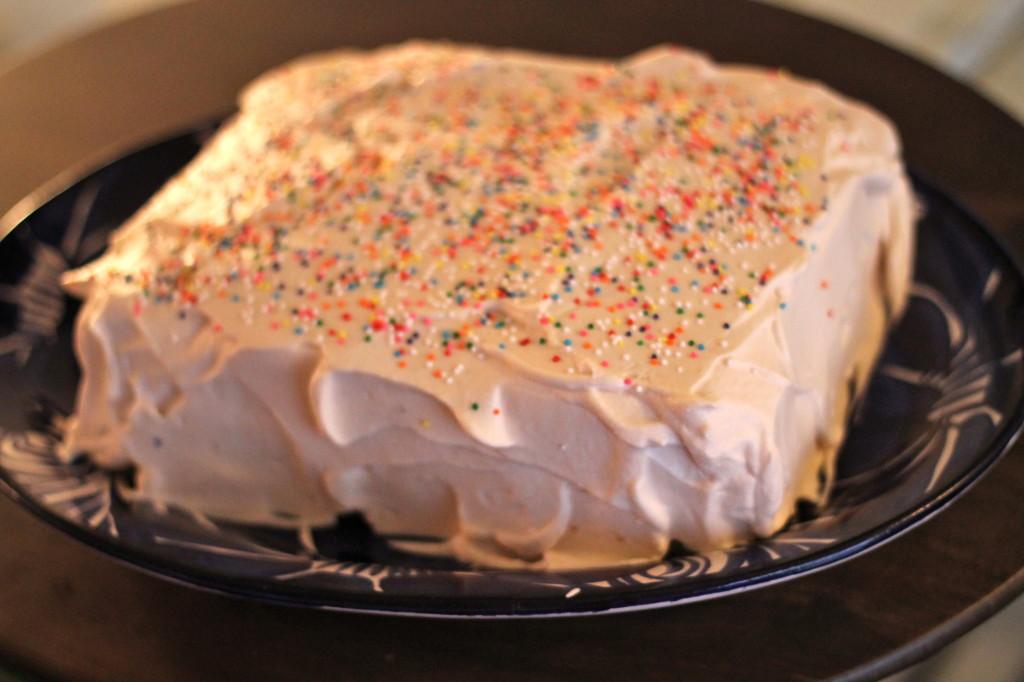 Cake Icing Recipe Joy Of Baking: Vanilla Sponge Cake With Vanilla Whipped Cream Frosting