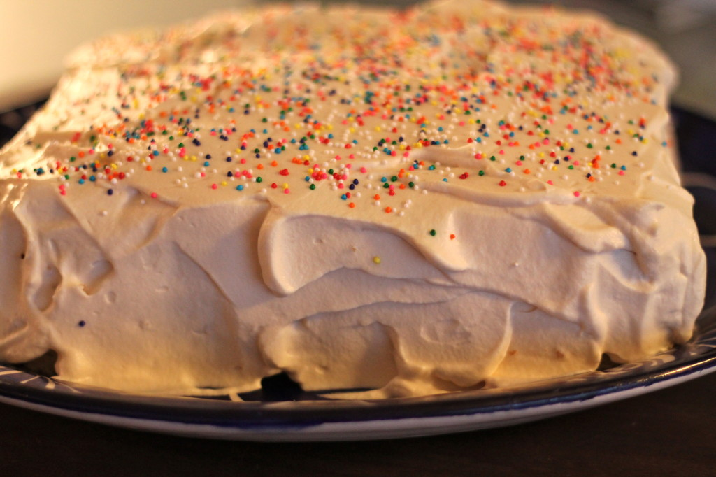 Cake With Whipped Cream Frosting Nutrition : Vanilla Sponge Cake with Vanilla Whipped Cream Frosting ...