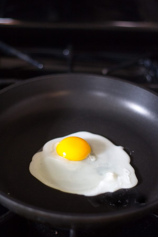 How to make Perfect Sunny Side Up Eggs - Step by Step Instructions