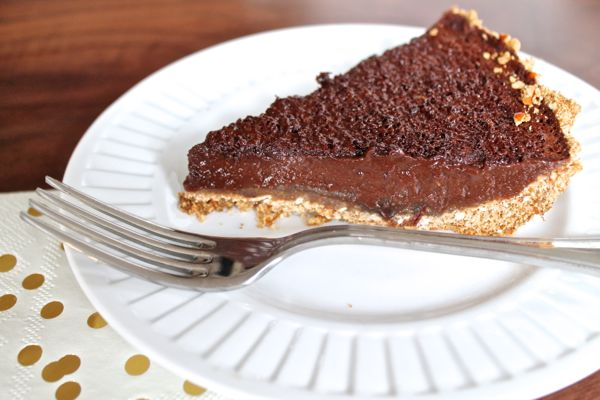 Chocolate Caramel Pretzel Pie