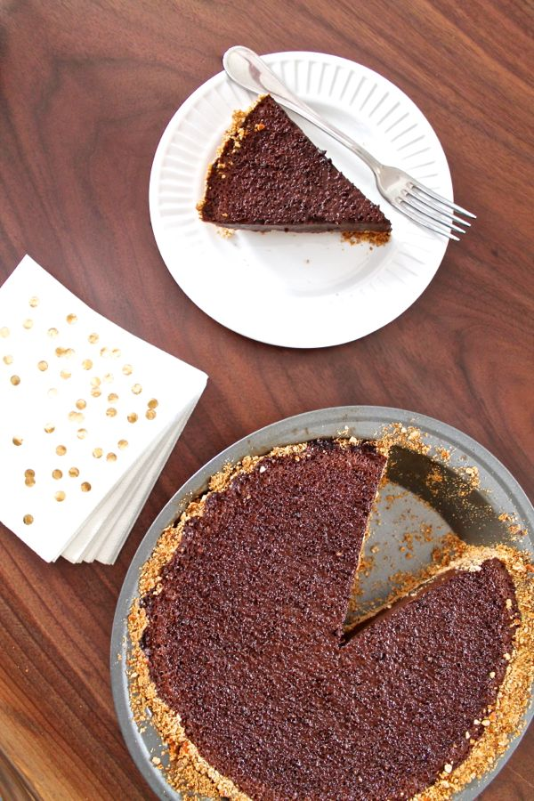 Chocolate Caramel Pie with Pretzel Crust | The Kittchen