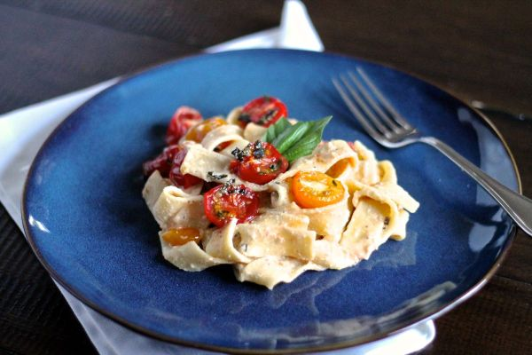 Roasted Garlic, Goat Cheese, and Tomato Pasta