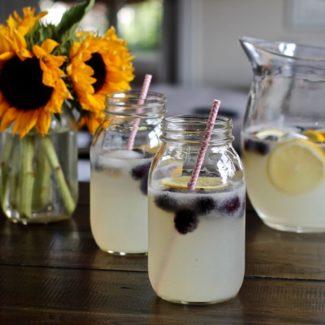 Sparkling Lemonade with Blackberries
