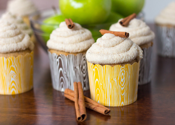 Vanilla Apple Chai Cupcakes