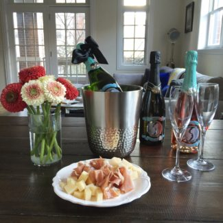 Perfect Pairing, Holiday Parties and Le Medaillon