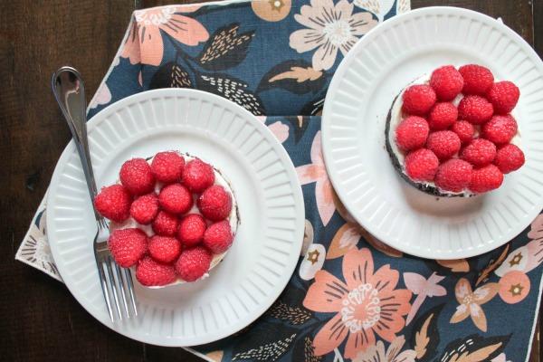 No-Bake-Raspberry-Cheesecake-3-via-The-Kittchen