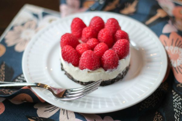 No-Bake-Raspberry-Cheesecake-via-The-Kittchen
