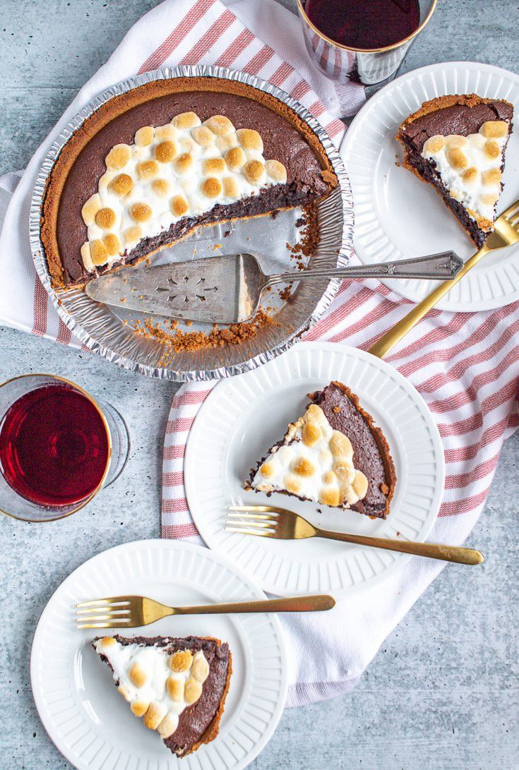 Molten Chocolate Brownie S'mores Pie