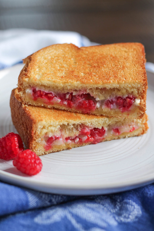 Raspberry Brie Grilled Cheese Recipe