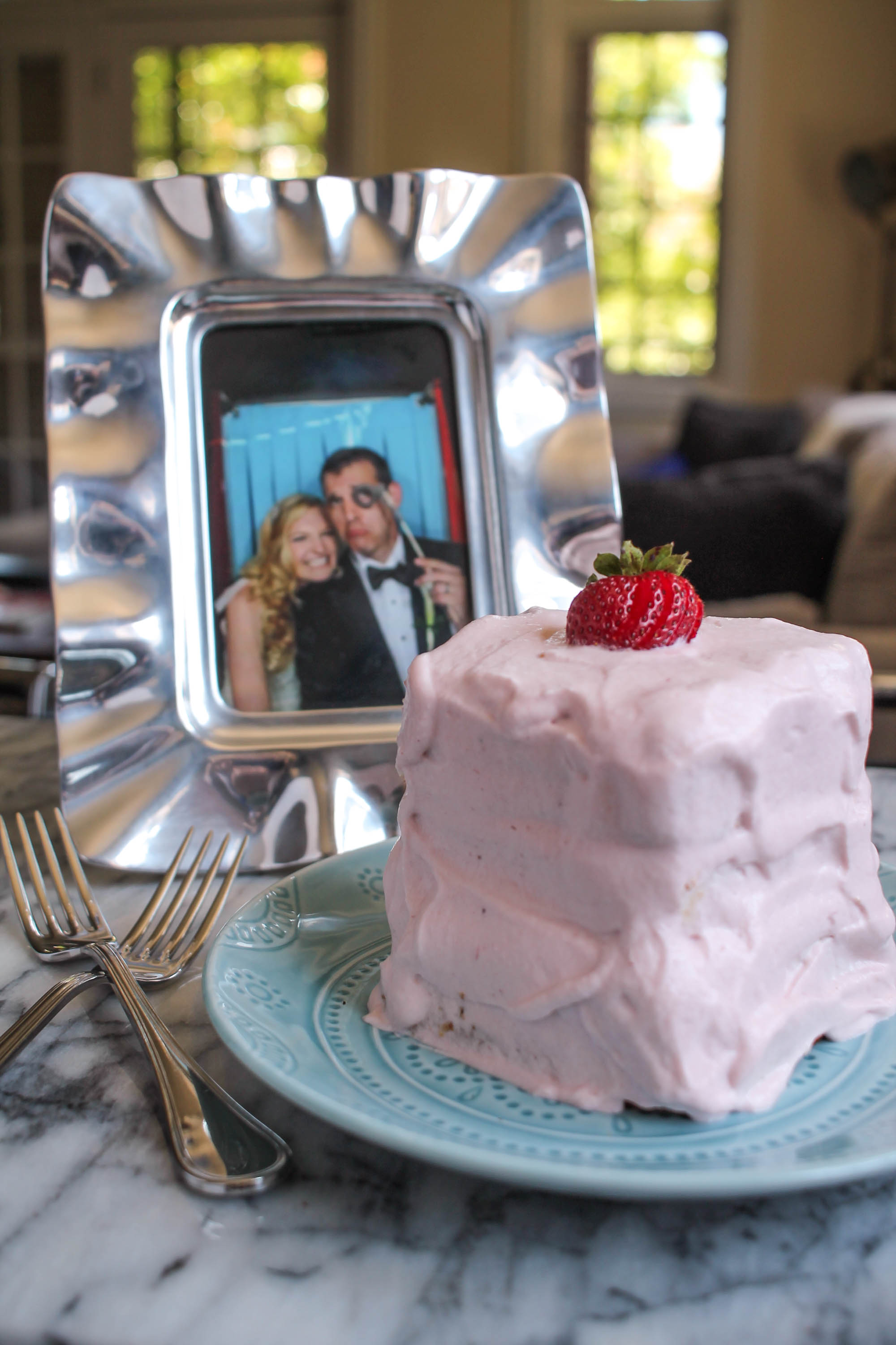 Angel Food Cake With Strawberry Whipped Cream Frosting Thekittchen