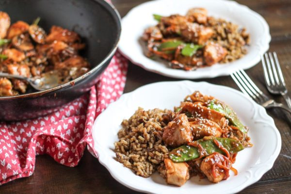A sweet and spicy recipe for Sesame Chicken that takes 20 minutes to prepare.