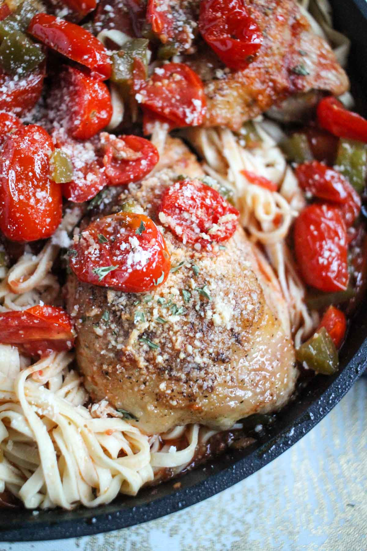 Roasted Tomato And White Wine Chicken Thighs Thekittchen