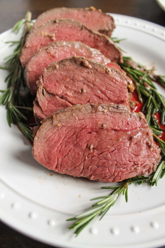 beef-tenderloin-with-a-red-wine-mushroom-sauce
