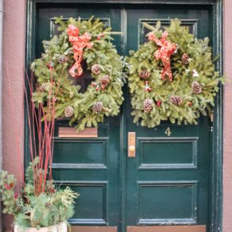 Boston at Christmastime / Holiday Wreath Inspiration