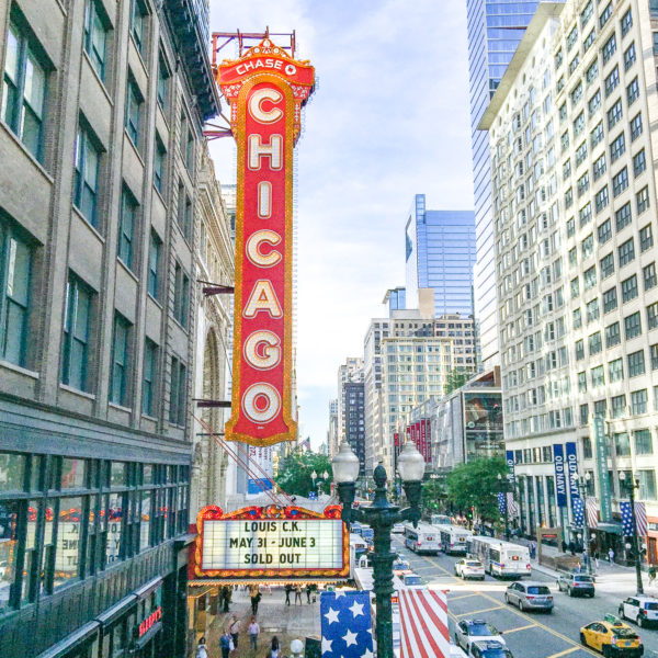 What to Know about Visiting Chicago - a list of insider tips, tricks, and facts.