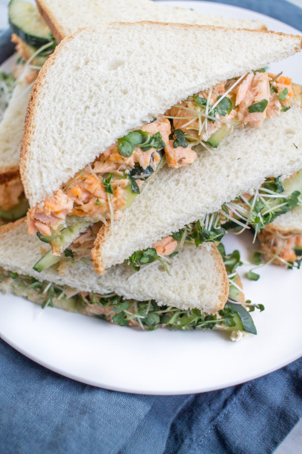 Easy Recipe for Salmon Avocado Sandwiches
