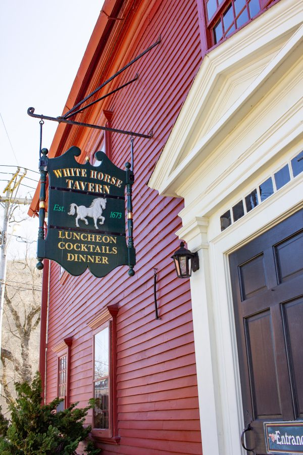 What to do in Newport - The White Horse Tavern