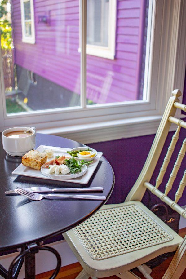 Gilded Newport breakfast