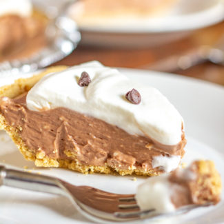 No Bake Nutella Pie | A delicious dessert that requires only 15 minutes of preparation time