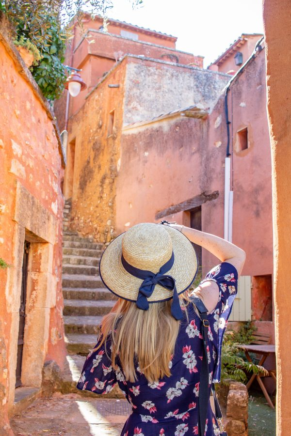 villages to visit in provence roussillon