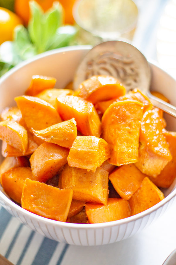 Roasted Sweet Potatoes | This easy recipe for Thanksgiving Roasted Sweet Potatoes emphasizes the natural sweetness of sweet potatoes without adding marshmallows. It's a recipe fitting for #Thanksgiving, but healthy enough to enjoy year-round.
