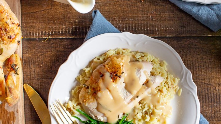 How to Make Thanksgiving Gravy from Scratch