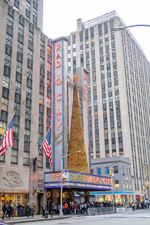 Christmas in NYC | What to do in New York City at Christmastime : see the Rockettes at Radio City