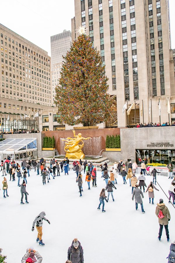 Christmas in NYC | What to do in New York City at Christmastime : Rockefeller Christmas Tree and Ice Rink