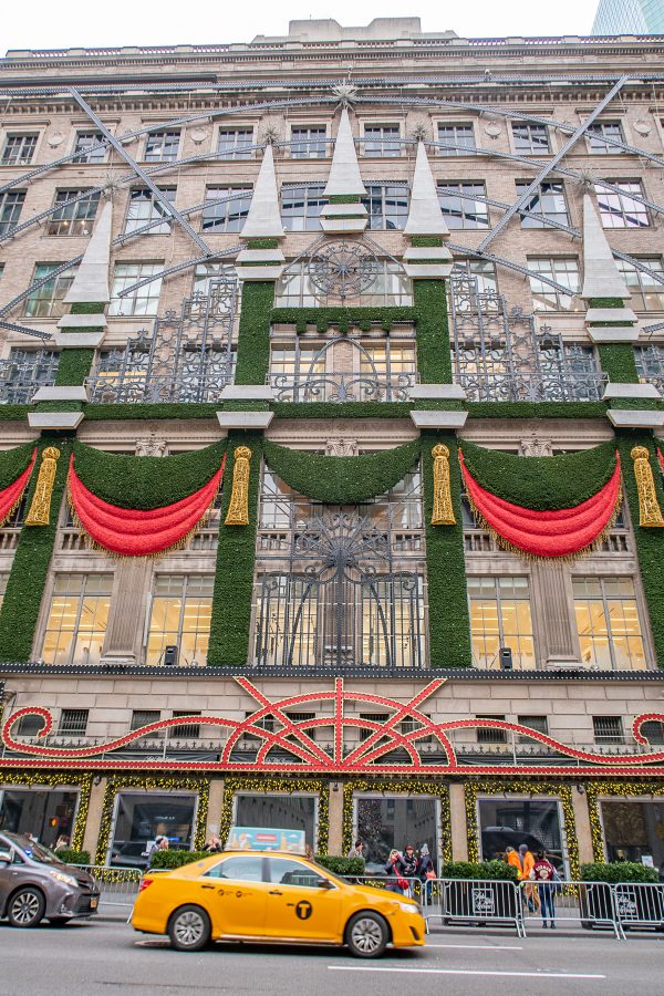 Christmas in NYC | What to do in New York City at Christmastime : Saks Fifth Avenue